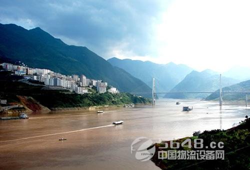 运输部:重点打造长江海陆空交通建设